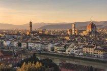 Paesaggio urbano al tramonto, Firenze, Toscana, Italia, Europa — Foto stock
