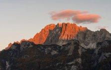 Monte Civetta en el Véneto. La Civetta es uno de los iconos de los Dolomitas. Los Dolomitas del Véneto son parte del patrimonio mundial de la UNESCO. Europa, Europa Central, Italia, octubre - foto de stock