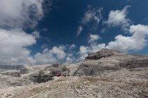Похід на високому маршруті 2 в Доломітах, Альпах, Італії, Європі — стокове фото
