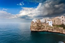 Polignano a Mare paese, Puglia, Italia, Europa — Foto stock
