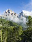 The Tofane from south.  The Tofane are part of the UNESCO world heritage the dolomites. Europe, Central Europe, Italy — Stock Photo