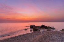 Захід сонця з Порто Реканаті Біч, Марке, Італія, Європа — стокове фото