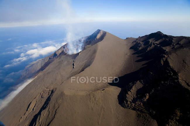 Vista aerea del Vulcano dell'Isola Stromboli, Isole Eolie, Messina, Sicilia, Italia, Europa — Foto stock