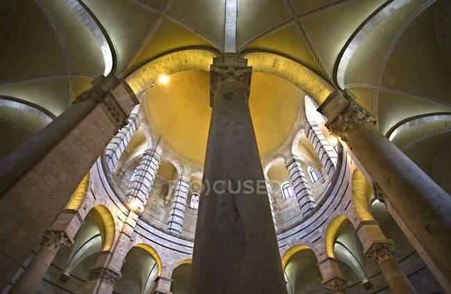 Taufkapelle von Pisa, Piazza dei Miracoli, Stadt Pisa, Toskana, Italien, Europa. — Stockfoto