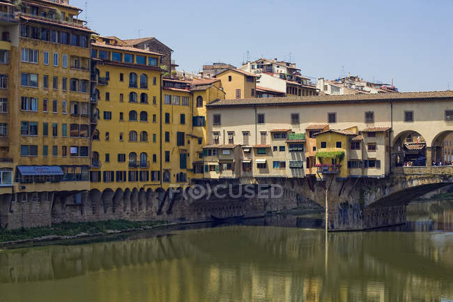 Ponte vecchio, Arno River, Florence, Tuscany, Italy, Europe — стокове фото