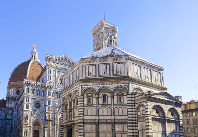 Cattedrale di Santa Maria del Fiore cathedral and Baptistery, Piazza del Duomo square, Florence, Tuscany, Italy — Stock Photo