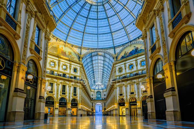Galleria Vittorio Emanuele gallery, Milan, Lombardy, Italy, Europe — Stock Photo