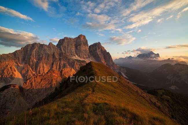 Pelmo Mount, Borca di Cadore, Dolomites, Veneto, Italie — Photo de stock
