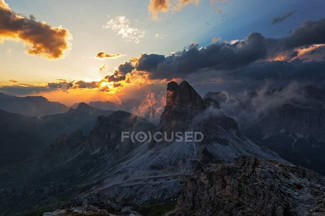 Averau mount, Ampezzo Dolomites, Cortina d'Ampezzo, veneto, Italie — Photo de stock