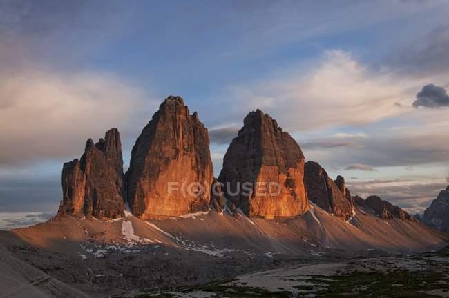 Tre cime di Lavaredo ver de Locatelli refúgio, Dolomites, Alpes orientais, Trentino-Alto Adigel, Itália — Fotografia de Stock