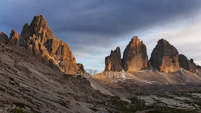 Tre cime di Lavaredo, Dolomitas, Alpes orientais, Trentino-Alto Adigel, Itália — Fotografia de Stock