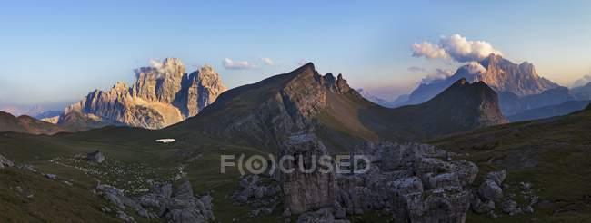 Mondeval, Dolomites, San Vito di Cadore, Belluno, Veneto, Italie — Photo de stock
