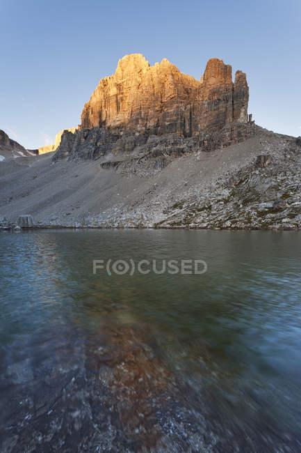 Lac de Pissadu, groupe Sella, Dolomites, Trentin-Haut-Adige, Italie — Photo de stock