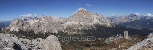 Photo panoramique du sommet d'Averau, Dolomites d'Ampezzo, Cortina d'Ampezzo, Vénétie, Italie — Photo de stock