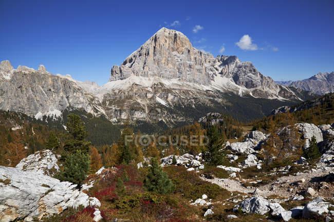 Tofana di Rozes, Ampezzo Dolomites, Cortina d'Ampezzo, Veneto, Italie — Photo de stock