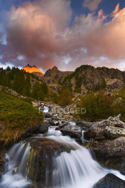 Sunset on the Nasta Peak, Alpi Marittime Natural Park, Gesso Valley, Piedmont, Italy — Stock Photo