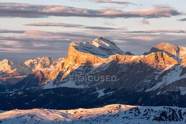 SAS dla Crusc ou mais comumente conhecido como Sasso di Santa Croce, montanha icónica em Val Badia, Trentino-Alto Adige, Itália — Fotografia de Stock