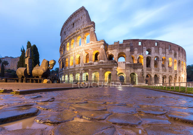 Italy, Lazio, Rome. Dawn at Coliseum — Stock Photo