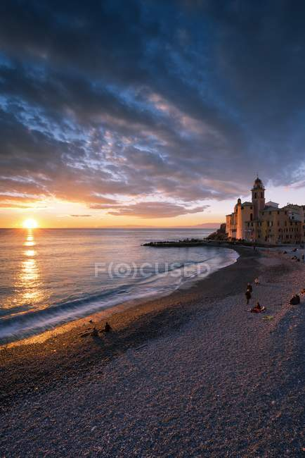 Sunset over Camogli shore, Camogli, Paradise gulf, Ligury, Italy, Europe — Stock Photo
