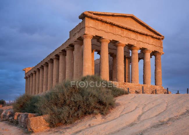 Храм Согласия в Долине Храмов в Сицилии, Италия, Европа — стоковое фото