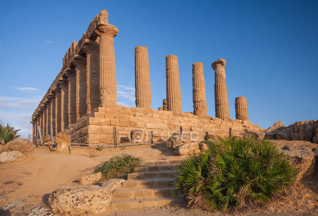 Temple of Juno Lacinia, Valley of the Temples, Agrigento, Sicily, Italy, Europe — Photo de stock