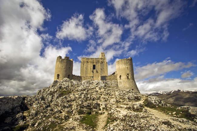 Фортеця Рокка Калассіо, Гран Сассо, Абруццо, Італія, Європа — стокове фото