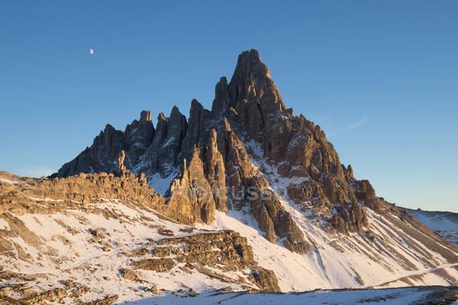 Three peaks of Lavaredo, Tre Cime di Lavaredo, Dolomites mountain, UNESCO, World Heritage Site, Veneto, Italy, Europe — Stock Photo