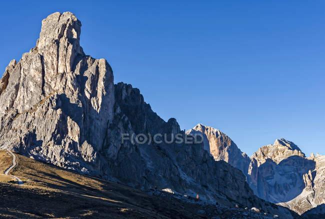 Les Dolomites près de Passo Giau. Ra Gusela et le Tofane. Les Dolomites sont inscrites au patrimoine mondial de l'UNESCO. europe, europe centrale, italie, novembre — Photo de stock