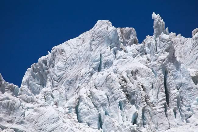 Una serie di seracchi di ghiacciaio Fellaria che, pur ritirandosi lentamente, sono ancora impressionanti, Valmalenco, Valtellina, Lombardia, Italia, Europa — Foto stock