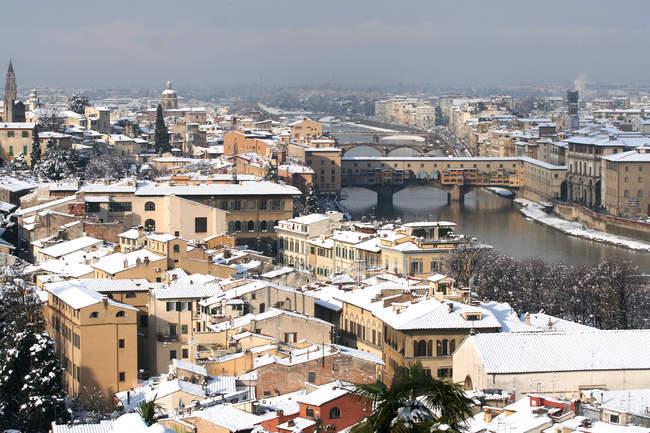 Городской пейзаж со снегом, Флоренция, Тоскана, Италия — стоковое фото