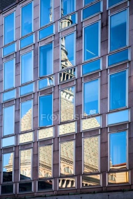 Mole Antonelliana Reflection, Torino, Piemonte, Italia, Europa — Foto stock