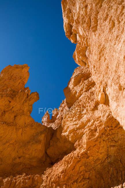 EUA, Utah, Bryce Canyon National Park. A principal característica do parque é Bryce Canyon, que apesar de seu nome, não é um cânion, mas uma coleção de anfiteatros naturais gigantes ao longo do lado leste do planalto de Paunsaugunt. — Fotografia de Stock