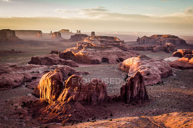 Panorama of the Monument Valley from a remote point of view, known as The Hunt's Mesa, Ariziona border, Utah, United States of America, North America — Fotografia de Stock