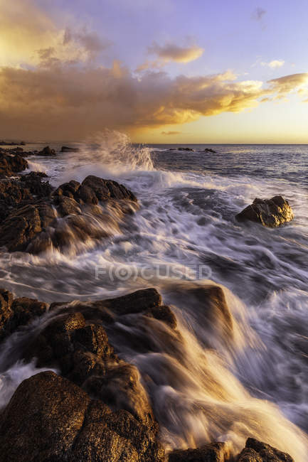 Sunrise and storm in Calabria Ionic coast, Calabria, Italy — Stock Photo