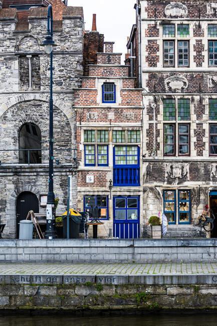 Vista dai canali durante il pomeriggio, Gent, Belgio, Europa — Foto stock