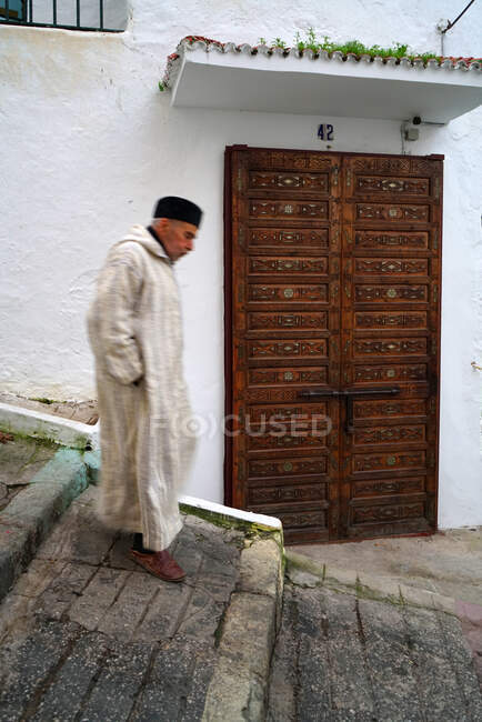 Old men in the Medina (Old City), Tangier, Morocco, North Africa, Africa — Stock Photo