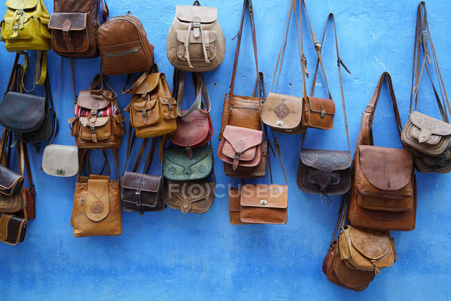 Moroccan traditional bags shop, Kasbah, Chefchaouen, the blue pearl, village northeast of Morocco, North Africa, Africa — Stock Photo