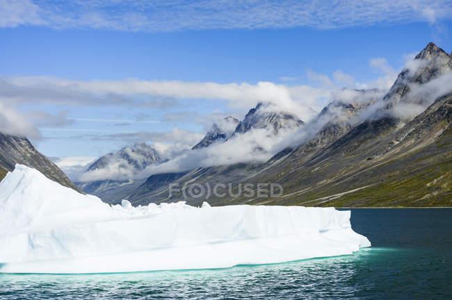 Paesaggio nel fiordo di Unartoq, nella Groenlandia meridionale. America, Nord America, Groenlandia, Danimarca — Foto stock