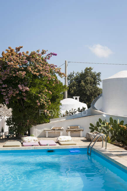 Traditional old Trullo refurbished, Ceglie, Valle d'Itria Valley, Apulia, Southern Italy, Europe — Stock Photo