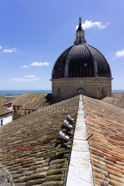 Santuario de la Virgen de Loreto, Vista del Paseo de Ronda, Loreto, Marcas, Italia, Europa - foto de stock