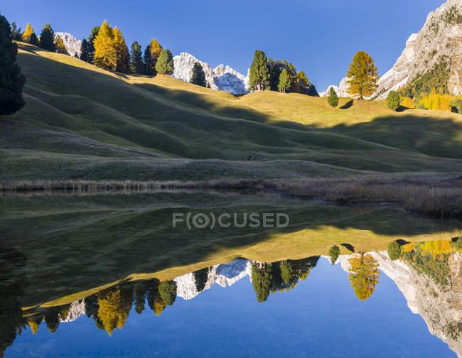 Serra de Geisler-odle nas Dolomitas do vale de groeden-Val Gardena em Tirol sul-Alto Adige. As Dolomitas estão listadas como Património Mundial da UNESCO. Europa, Europa Central, Itália, outubro — Fotografia de Stock