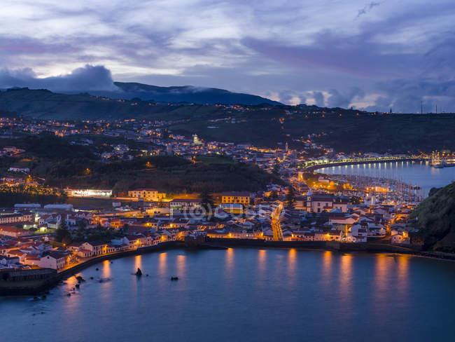 Horta, la città principale di Faial. Isola di Faial, un'isola delle Azzorre (Ilhas dos Acores) nell'oceano Atlantico. Le Azzorre sono una regione autonoma del Portogallo . — Foto stock