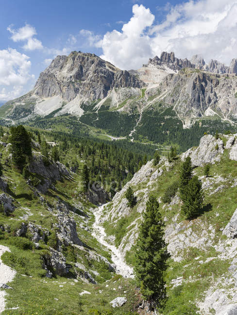 Dolomites at Passo Falzarego, Lagazuoi, Fanes and Monte Cavallo in the  nature park Fanes Sennes Prags,  part of the UNESCO world heritage the dolomites. Europe, Central Europe, Italy — Stock Photo