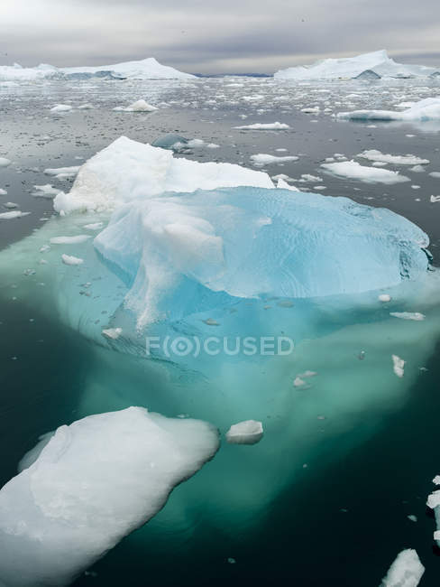 Ilulissat Icefjord chiamato anche kangia o Ilulissat Kangerlua a Disko Bay. Il fiordo del ghiaccio è elencato come patrimonio mondiale dell'UNESCO. America, Nord America, Groenlandia, Danimarca — Foto stock