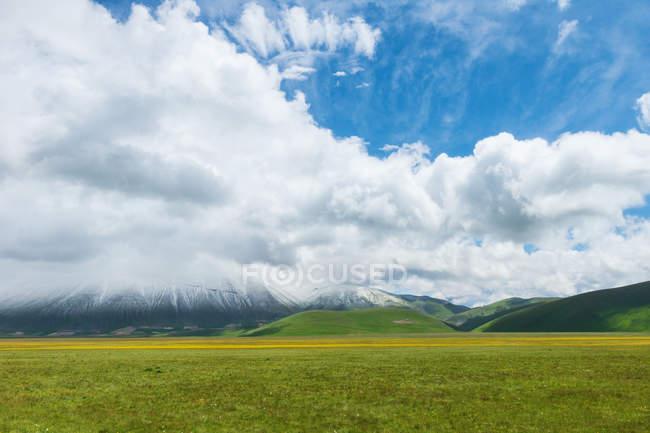 View of the Pian Grande of Castelluccio di Norcia, Umbria, Italy, Europe — Stock Photo