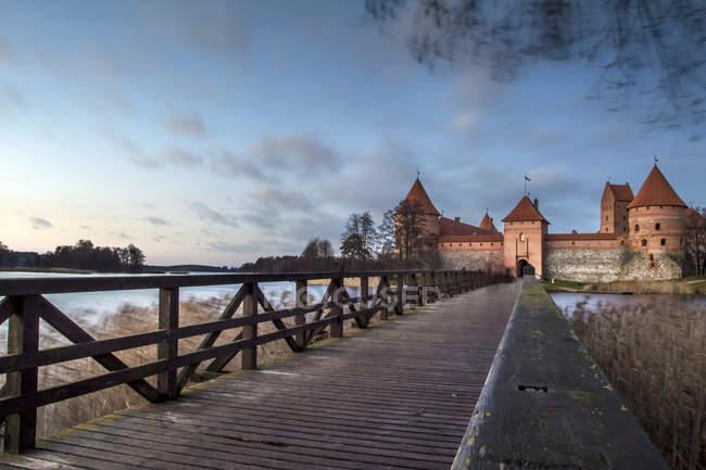Château de l'île de Trakai, Lac Galve, Trakai, Lituanie, Europe — Photo de stock