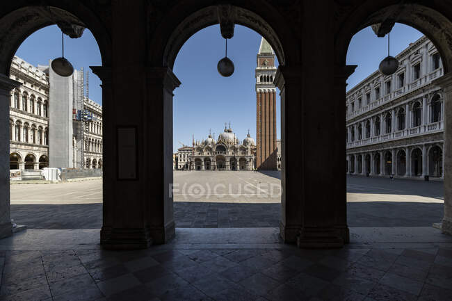 Plaza de San Marco durante la cuarentena del coronavirus, estilo de vida COVID-19, Venecia, Véneto, Italia, Europa - foto de stock