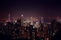 Освещенная городской пейзаж Гонконга — стоковое фото