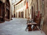 Straße eine alte italienische Stadt der Toskana — Stockfoto