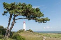 Paysage marin avec bâtiment phare — Photo de stock